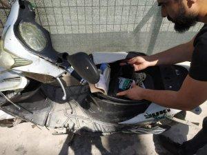 Sınırdan geçmeye çalışan elektrikli bisikletten cep telefonu çıktı