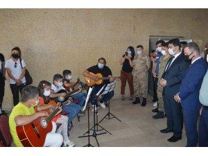 Tuzluca'da Hayat Boyu Öğrenme Haftası kapsamında sergi düzenlendi