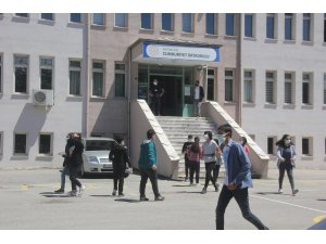 Erzincan'da, 2 bin 750 öğrenci iyi bir gelecek için ter döktü