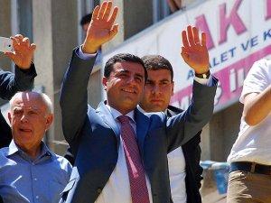 Demirtaş'tan CHP'ye 'Meclise beraber girelim' çağrısı!