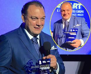 AIPS ve İtalyan Spor Yazarları Derneği'nden Dündar Keşaplı'ya ödül
