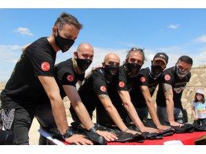 Kapadokya'da motosikletçiler yemin töreni düzenledi
