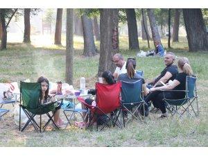 Edirne'de vatandaşlar piknik alanlarına akın etti