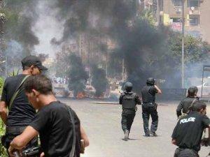 Güvenlik güçlerinden göstericilere silahlı müdahale