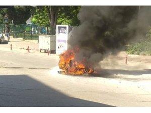 Yeni aldığı motosikleti alev alev yandı, kendisi hastanelik oldu