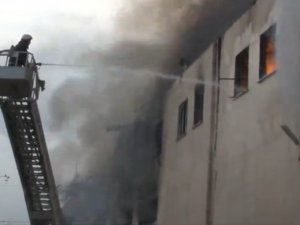Tekstil fabrikasında yangın çıktı