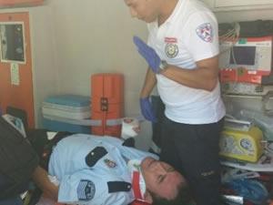 Polis aracı devrildi: 3 yaralı