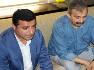 Selahattin Demirtaş'dan Köşk adaylarına çağrı!