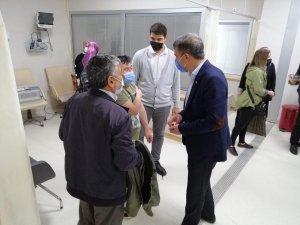 İl Başkanı Yıldırım'dan sağlık çalışanlarına ziyaret