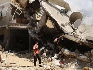 İsrail: Hastaneyi vuracağız boşaltın