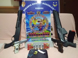 Sakarya'da 5 ayrı adrese operasyon: Çok sayıda silah ve uyuşturucu maddesi ele geçirildi