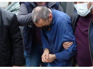 Karısını öldüren mühendis koca duruşma boyunca ağladı