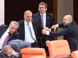AK Parti ve MHP'li vekiller birbirine girdi