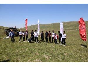 Artvin'de yaylacı çocuklar golf sporuyla tanıştı
