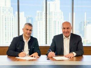 Samsunspor, teknik direktör Mehmet Altıparmak ile sözleşme imzaladı