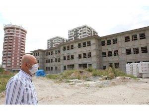 """Başkan Çolakbayrakdar: """"Dönüşümle güzel bir mahalle daha gün yüzüne çıkıyor"""""""