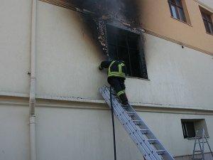 14 katlı binada korkutan yangın