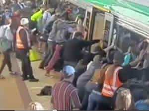Metroda feci kaza