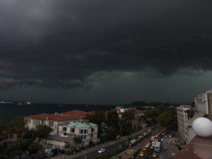 İstanbul'da sağnak yağış