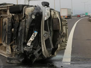 Bolu'da minibüs devrildi: 12 yaralı