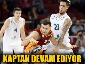 Kaptan Galatasaray'la devam ediyor