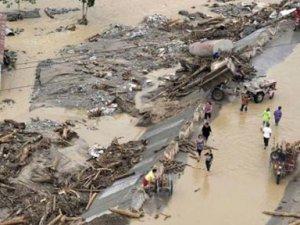 Vietnam'daki selde 6 kişi hayatını kaybetti