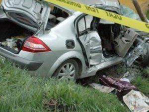 Kars'ta minibüs otomobille çarpıştı: 9 yaralı