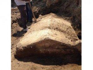 Denizli'de 2 bin yıllık anıt mezar bulundu
