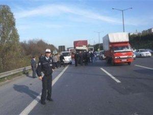 TEM'de feci kaza: 2 ölü 1 yaralı