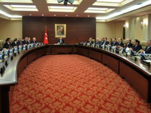 AKP'de gözler kabine değişikliğinde