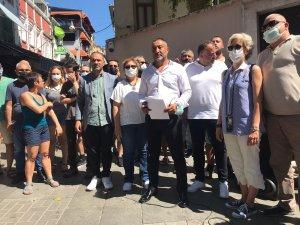 Kadıköy'de Surp Takavor Ermeni Kilisesi'ne yapılan saygısızlığa ilişkin STK'lardan basın açıklaması