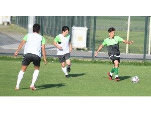 Bursaspor kendi arasında hazırlık maçı yaptı