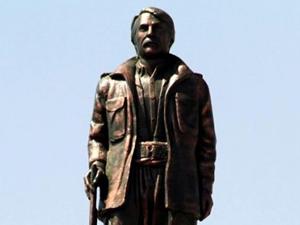 PKK'lı heykeli için yıkım kararı alındı