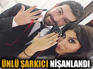 Ünlü şarkıcı nişanlandı