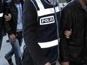 İzmir'de polislere operasyon yapılıyor
