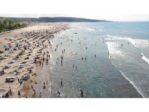 Kandıra'da üç bölgede denize girme yasağı kaldırıldı