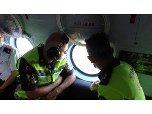Jandarmadan helikopterle bayram dönüşü trafik denetimi