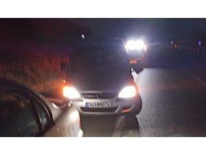 Aracından inen sürücü, otomobilin çarpması sonucu hayatını kaybetti