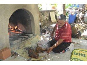 Denizli'de kelle ütüleme geleneği yaşatılıyor