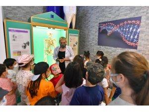 Feza Gürsey Bilim Merkezi'nde eğitimler devam ediyor