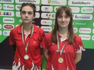 Erzincanlı sporcular yurtdışından madalyalarla dönüyor