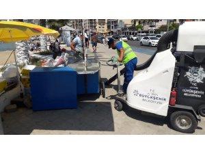 Aydın Büyükşehir Belediyesi daha temiz bir çevre için bayramda da iş başındaydı