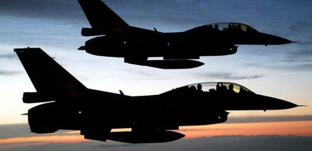 2 jet havada fena  çarpıştı!