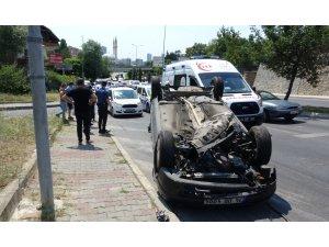 Kartal'da kontrolden çıkan otomobil takla atıp ters döndü:1 yaralı