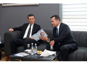 Başkan Özyiğit, Bakan Ziya Selçuk'a 'Erken Çocukluk Eğitimi Projesi'ni anlattı