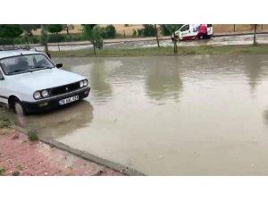 Ovacık'ta sağanak yağış etkili oldu