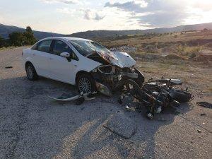 Çorum'da otomobil ile motosiklet çarpıştı: 2 yaralı