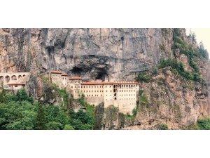 Sümela Manastırı'nı 3 haftada yaklaşık 30 bin kişi ziyaret etti
