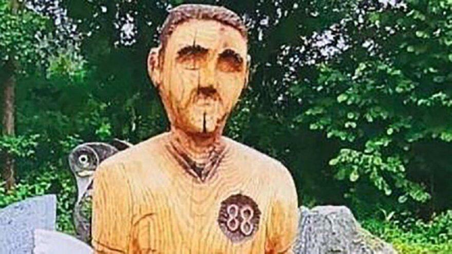 Mezarlıkta heykel krizi… Hitler'e benziyor diye kaldırıldı