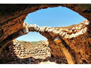 """Tarihi İpek Yolu üzerindeki """"Kuruhan"""" restore edilmeyi bekliyor"""